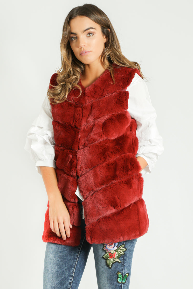 g/768/Short_Hair_Gilet_in_Wine-6__34812.jpg