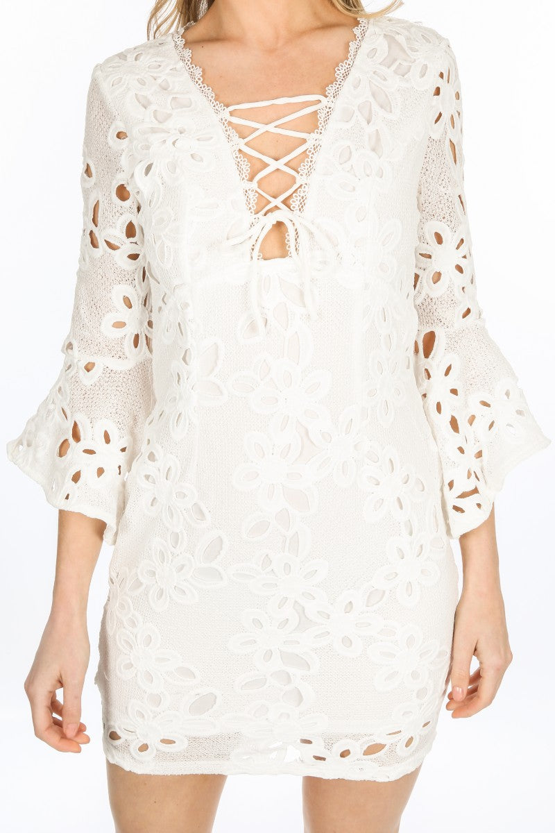 e/292/W1640-_Crochet_Bell_Sleeve_Dress_In_White-5__90382.jpg