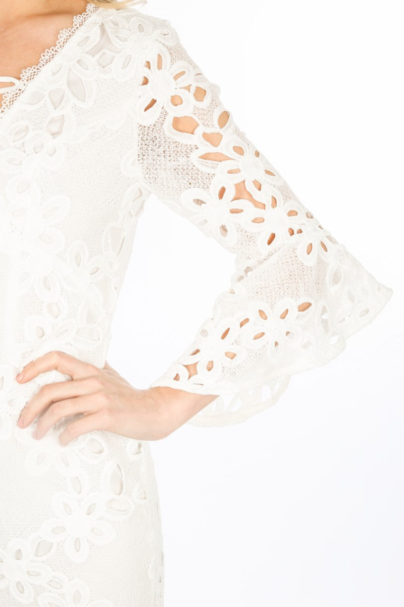 g/834/W1640-_Crochet_Bell_Sleeve_Dress_In_White-6__33667.jpg