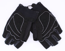 Nike Boys Gloves S NWT