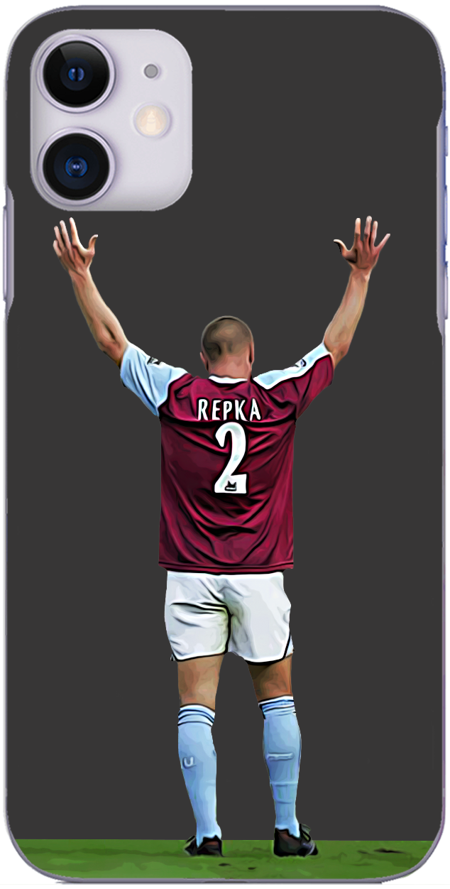 West Ham United - Tomas Repka celebrates at full time at Craven Cottage 2005