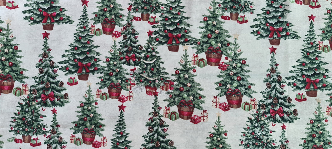 1116 Classic Christmas Tree (low in stock)