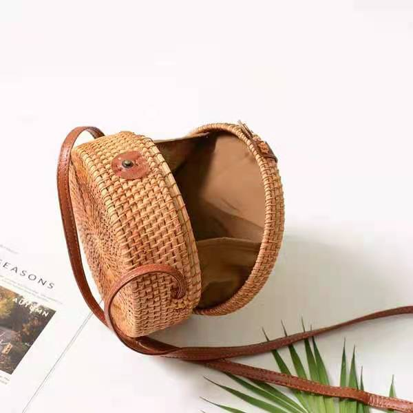 Tassel Detail Crossbody Rattan Bag
