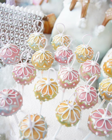 Christmas bauble cake pops - Tuck Box Cakes