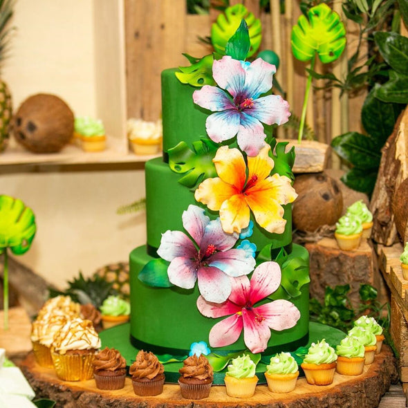 Jungle party dessert table