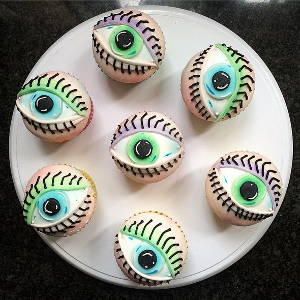 Eyeball cupcakes - Tuck Box Cakes