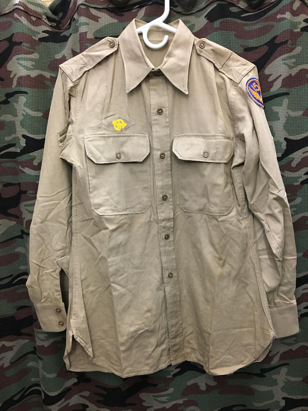 WWII Khaki Army Shirt- 15/33 (Medium)