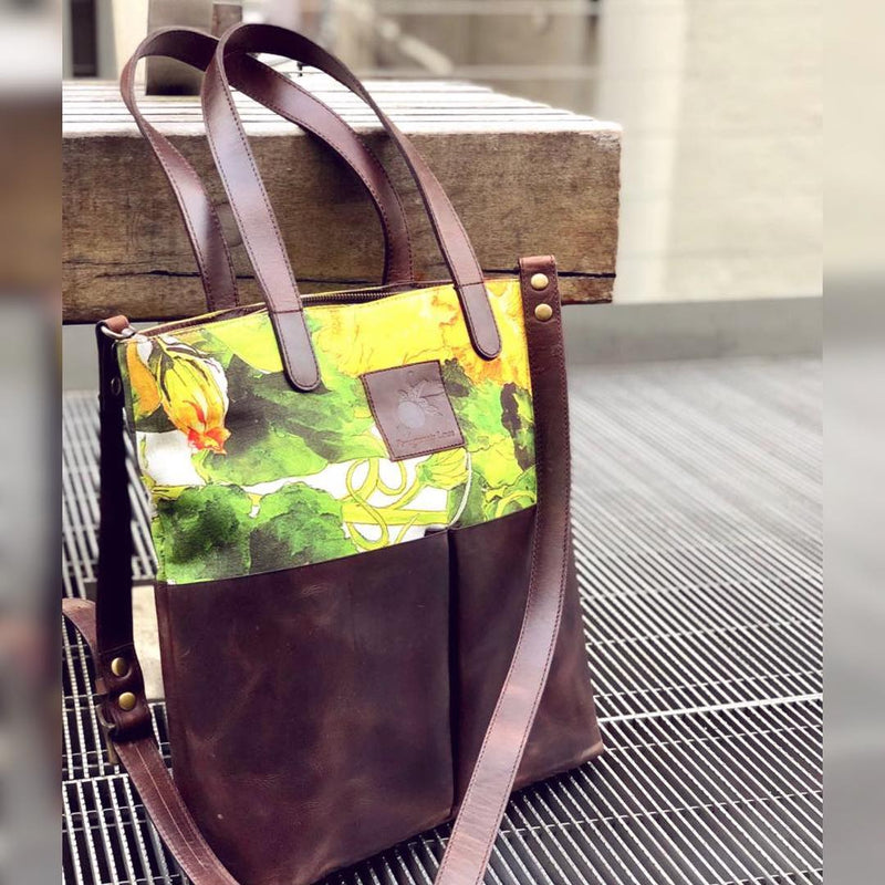 Medium Tote Bag: Summer Squash