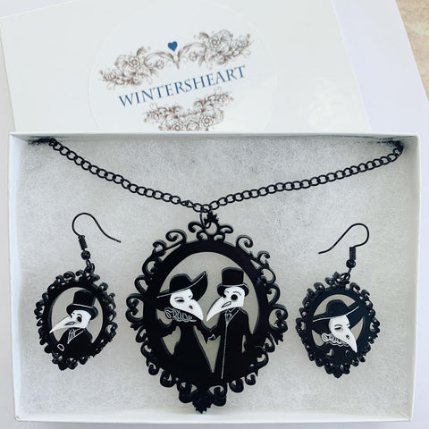 Elegant Plague Doctor - Earrings and Necklace set