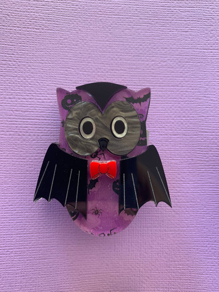 Vlad the vampire owl - Brooch