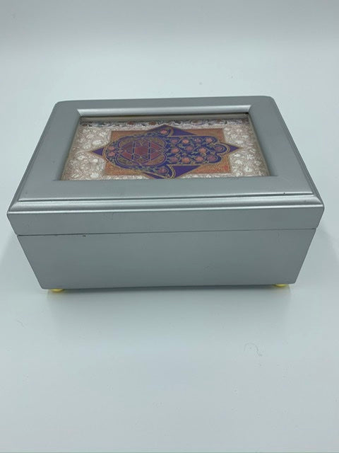 Jewelry Box/music box (close out)