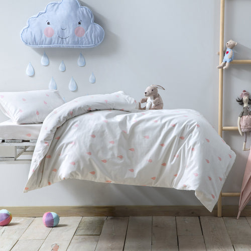 Dream in the Rain Bedding Set