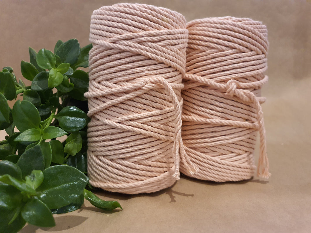 4.5mm Cotton Macrame Cord: Coral