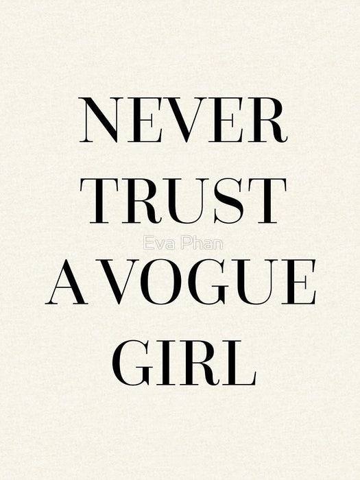 Never Trust a Vogue Girl WOMEN HOODIE GRAY