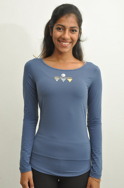 women's flyaway long sleeve top in greyhound