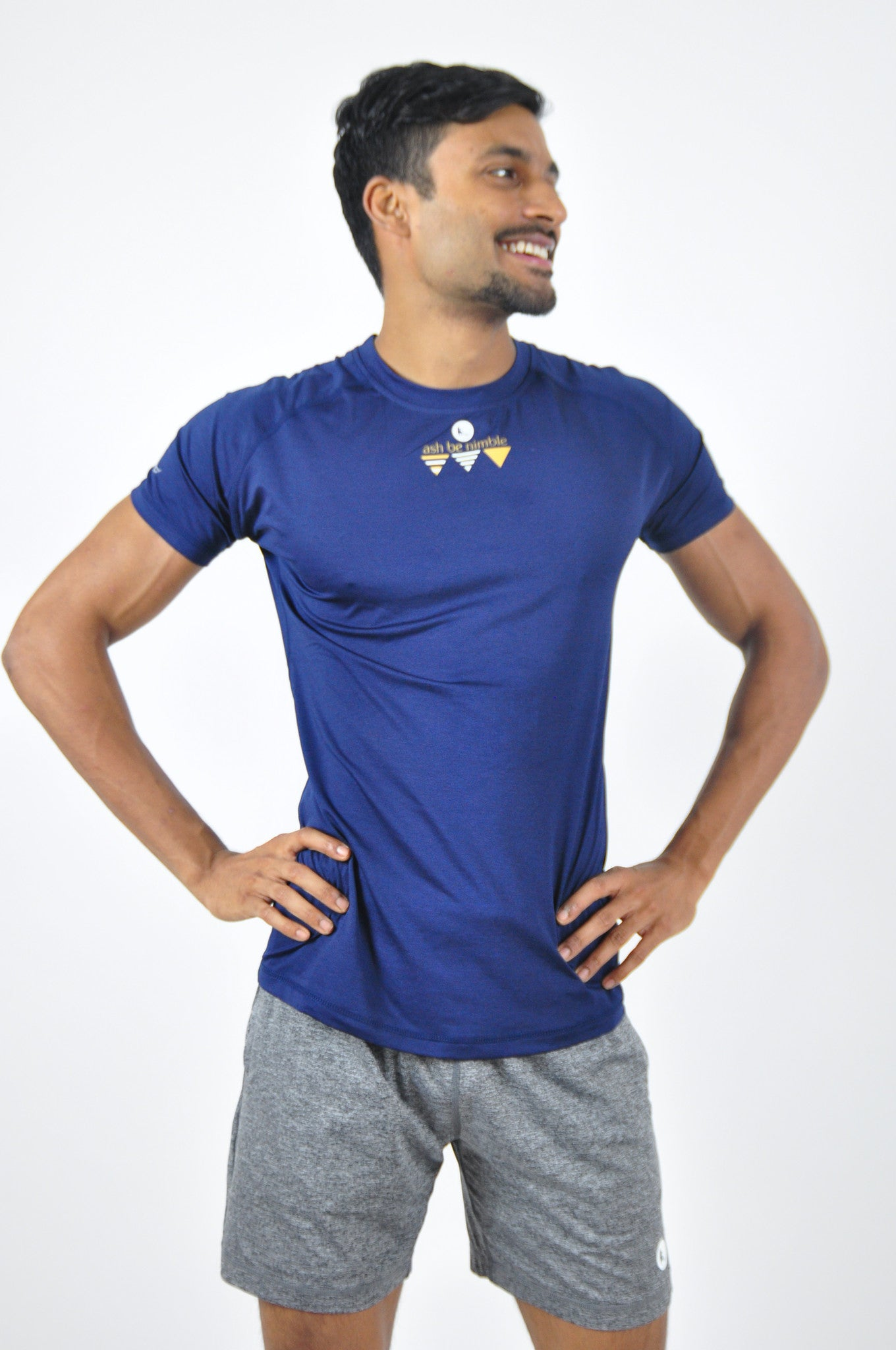 athletic nimble tee in midnight