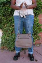 Load image into Gallery viewer, Carlisle Crossbody - Taupe