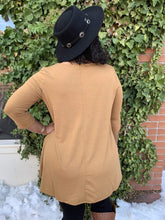 Load image into Gallery viewer, Zenana Basics 3/4 Sleeve Tunic Top With Pockets - Camel
