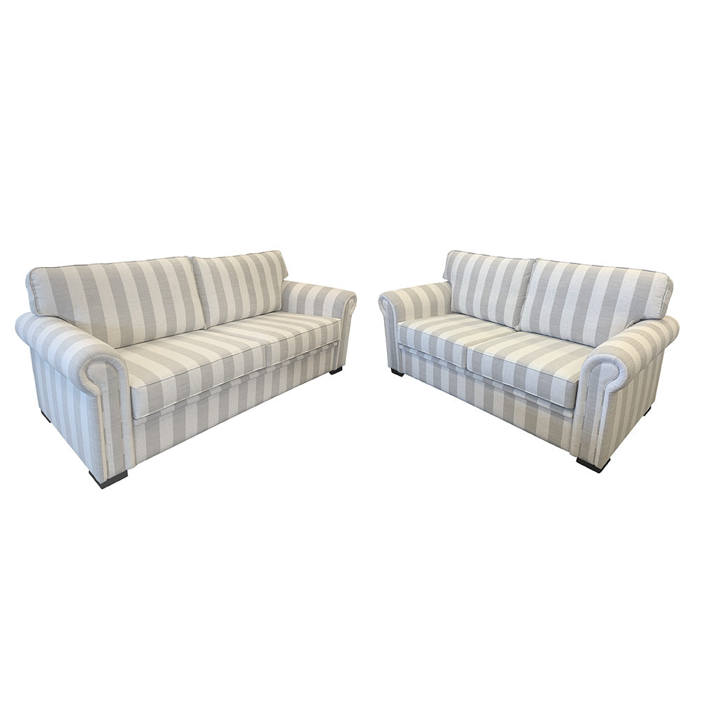 Cambridge sofa in Atlantic Sand fabric