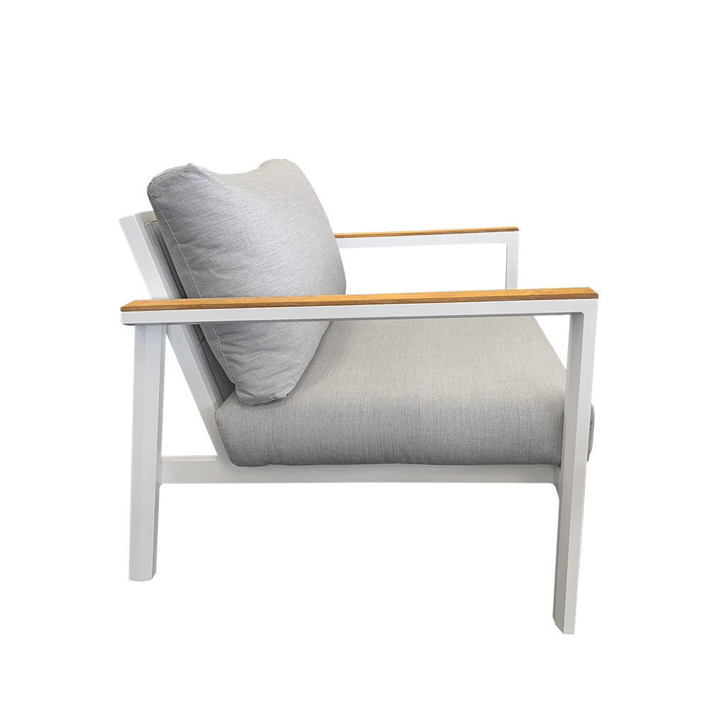 Copenhagen outdoor lounge chair - white with teak timber arm detail