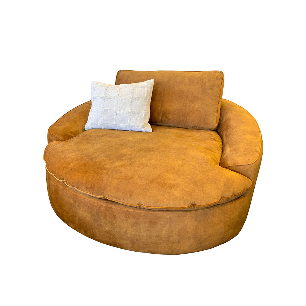 Hutch round lounge chair