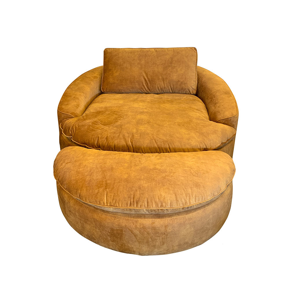 Large round occasional chair in gold