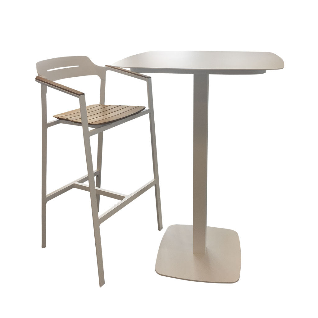 Maunganui Outdoor bar table and maunganui bar stool