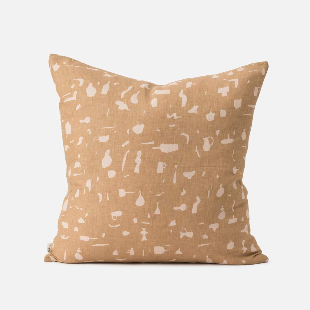 Citta Design - Still Life Cushion w. Feather Inner - Tea/Biscuit