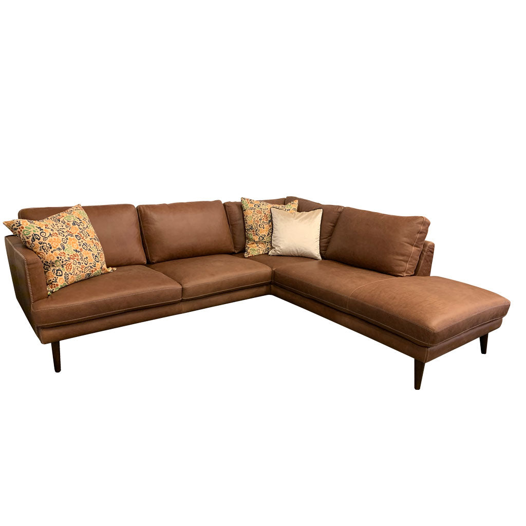 Stockholm Saddlebag leather sofa