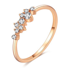 Load image into Gallery viewer, Rose Gold Color Twist Classical Cubic Zirconia Ring for Women.