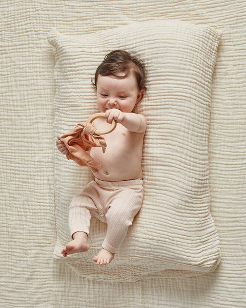 Anneau de dentition et doudou willaby teether blankie montreal quebec canada