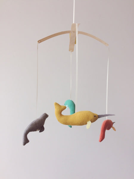 pompom design mobile narwhal whool narval Montreal Canada