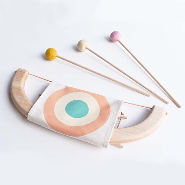 Tangerine Studios wooden toy bow and arrow arc et fleches en bois pink pêche Montreal Canada