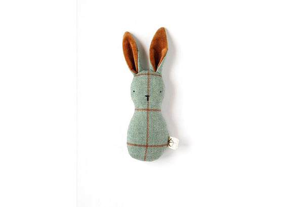 ouistitine montreal quebec canada hochet lapin fait a la main handmade bunny doll plush poupée toutou rattle recyclé recycled