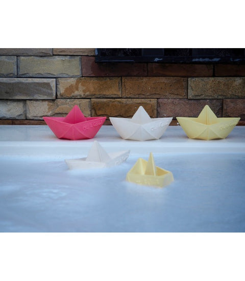 oli & carol origami boat bath toy teething toy bateau jouet de bain dentition montreal quebec canada