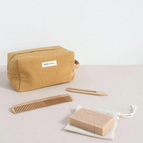 Monk & Anna Montreal Canada hospital kit ensemble hopital toiletry bag sac de toilette