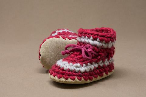 Padraig Montreal Quebec Canada baby slippers chaussons pour bébés handmade knitted