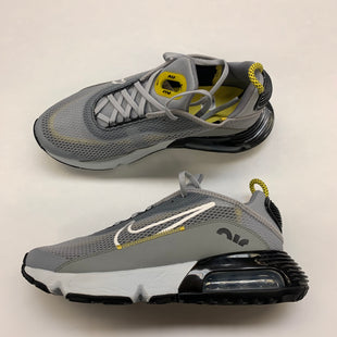 Primary Photo - BRAND: NIKE STYLE: SHOES ATHLETIC COLOR: GREY SIZE: 8.5 SKU: 211-21164-73659