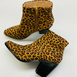 Primary Photo - BRAND:    CLOTHES MENTOR STYLE: BOOTS ANKLE COLOR: ANIMAL PRINT SIZE: 9 OTHER INFO: CHASE + CHLOE - SKU: 211-21164-73384