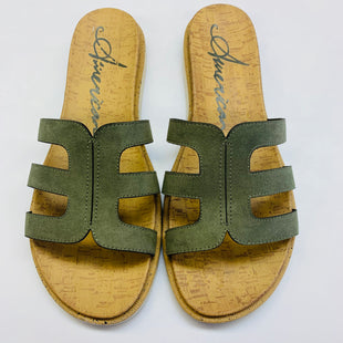 Primary Photo - BRAND: AMERICAN RAG STYLE: SANDALS FLAT COLOR: OLIVE SIZE: 8.5 SKU: 211-21164-70290