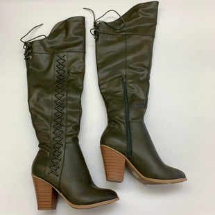 Primary Photo - BRAND: JG COLLECTIONS STYLE: BOOTS KNEE COLOR: OLIVE SIZE: 6.5 SKU: 211-21164-71641