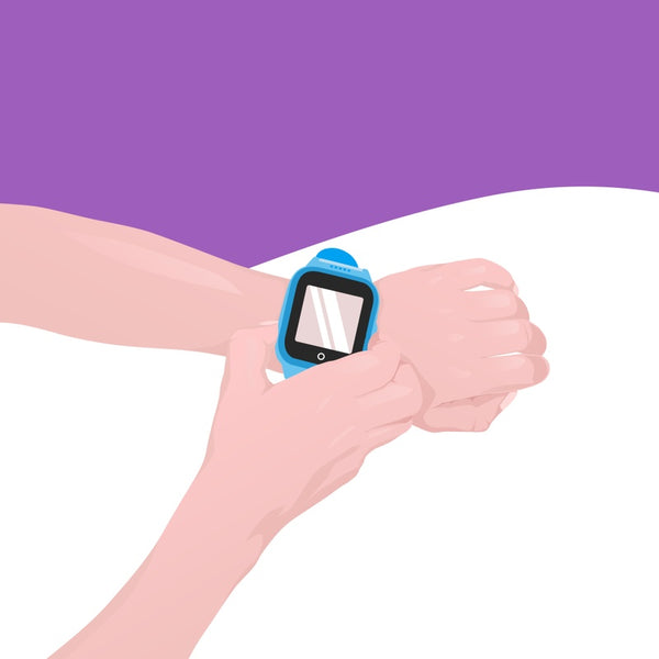 A kid activates SOS mode from his COSMO smartwatch.