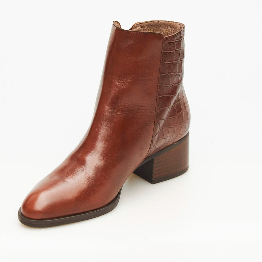 Wonders Tan or Black Ankle Boot