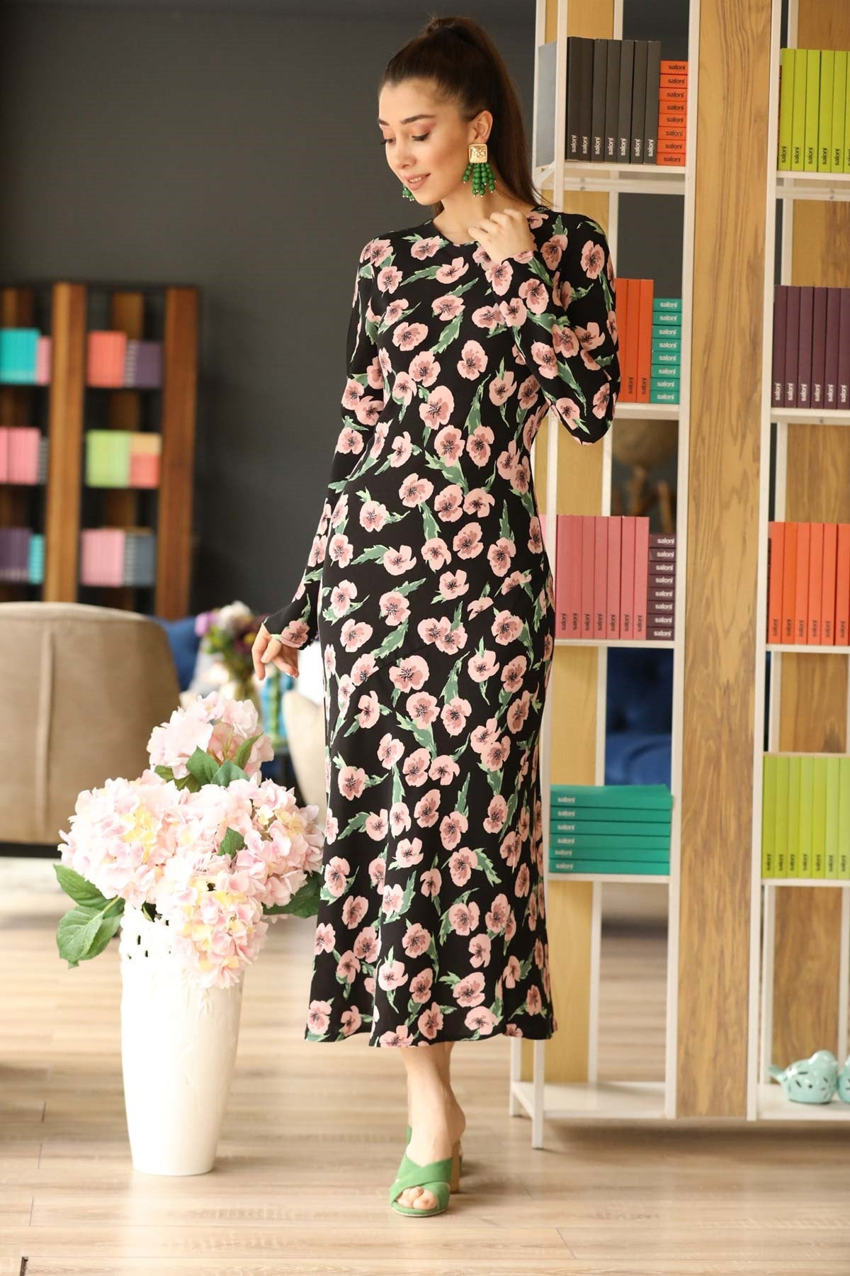 Women's Patterned Black Midi Dress