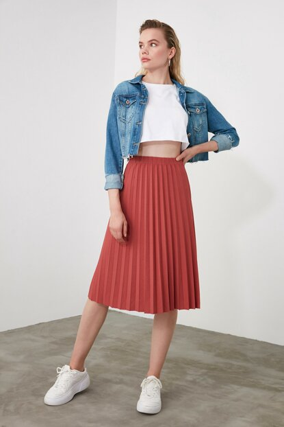 Women's Pleated Basic Skirt
