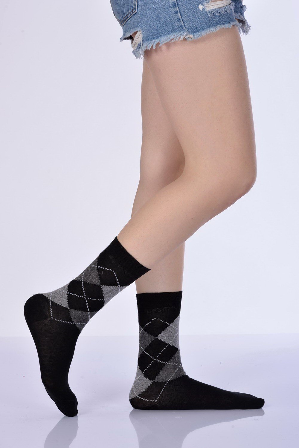 Women's Plaid Pattern Black Socket Socks- 3 Pairs