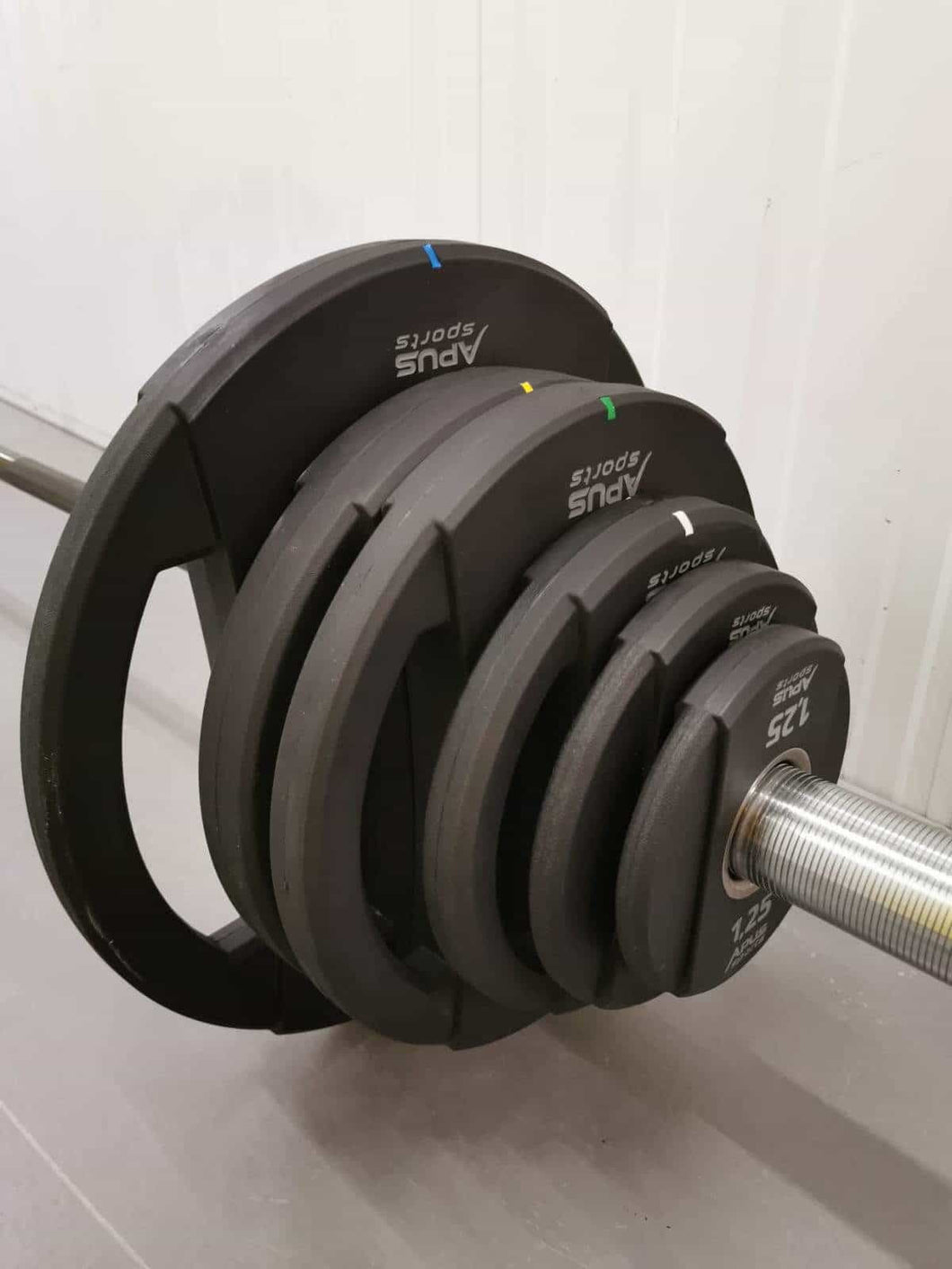 160kg (6x5kg 2x15kg 2x10kg 4x20kg ) + Olympic Bar DEAL - IRON-STRENGTH.CO.UK