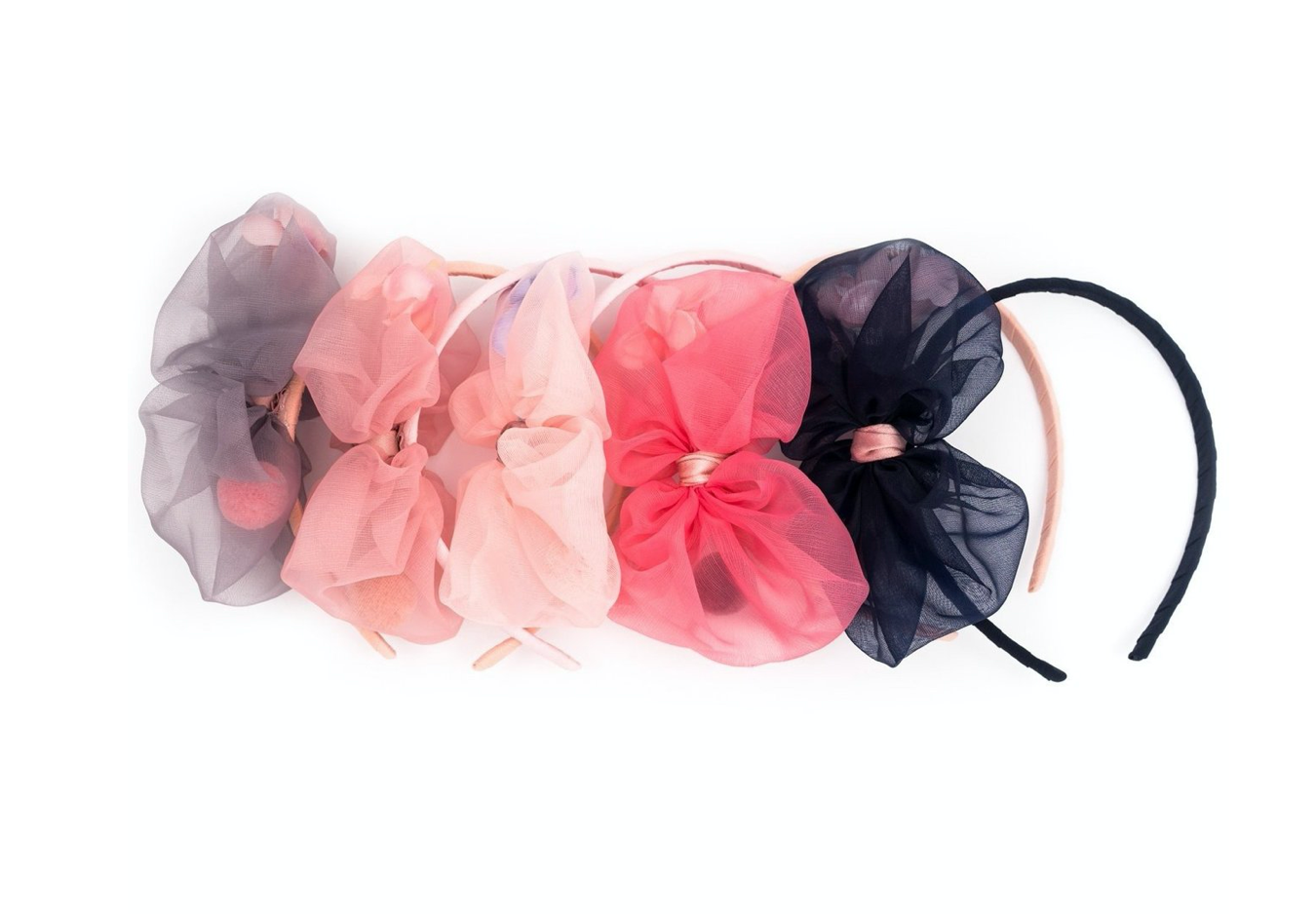 Bow with flower band