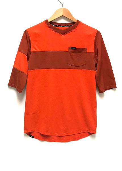 Small / T-Shirt / Dakine / Red Orange Brown V-Neck w Pocket