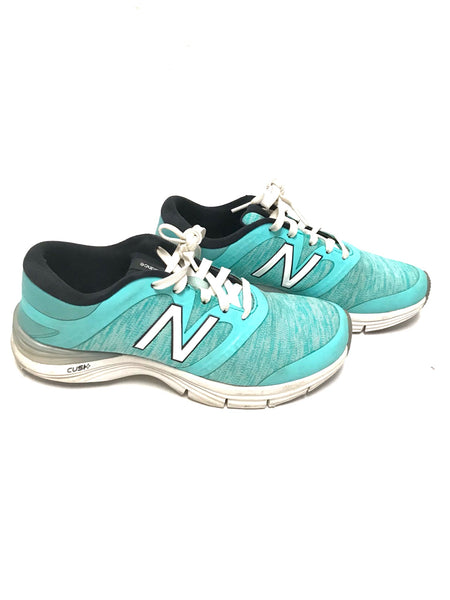 Size 8 Adult / Runners / New Balance / Turquoise